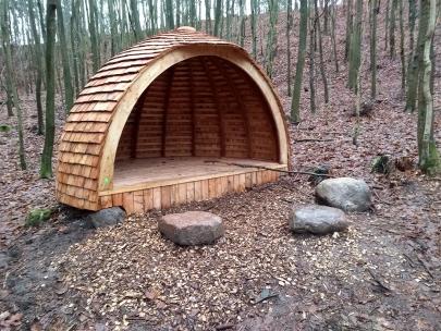 Smukt shelter til overnatning og leg